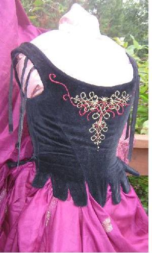 black_velvet_garnet_corset